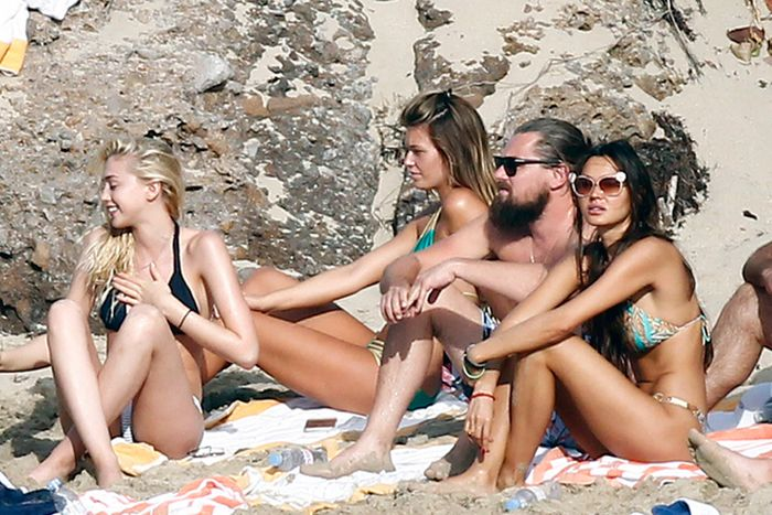 Leonardo DiCaprio Has The Best Life Ever (20 pics)