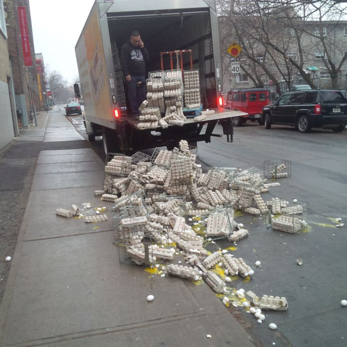 This Guy Is Definitely Having A Bad Day (3 pics)