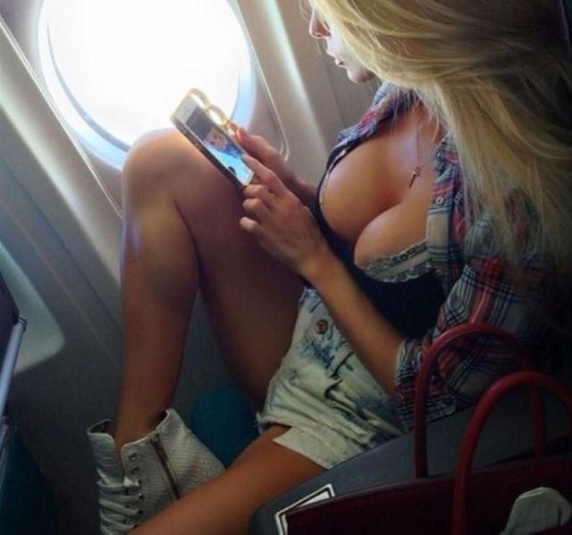 Girls In Revealing Clothing Are Just Great  (72 pics)