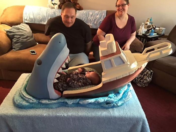 This Baby Now Has A Jaws Inspired Crib (8 pics)
