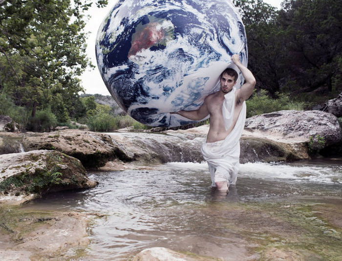 Meet The Man That Takes The Most Epic Facebook Profile Pics (24 pics)