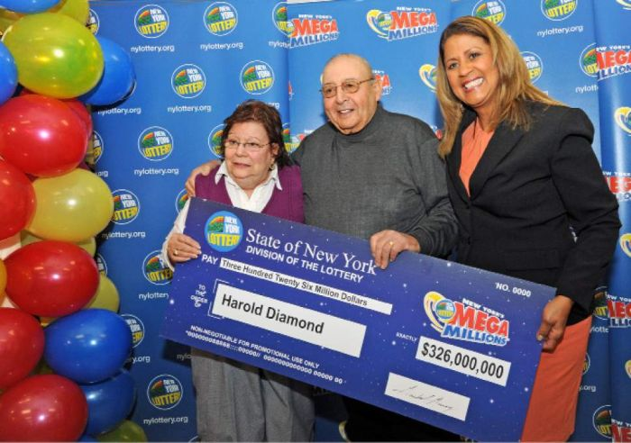 Retired Principal Wins A $326 Million Dollar Jackpot (3 pics)