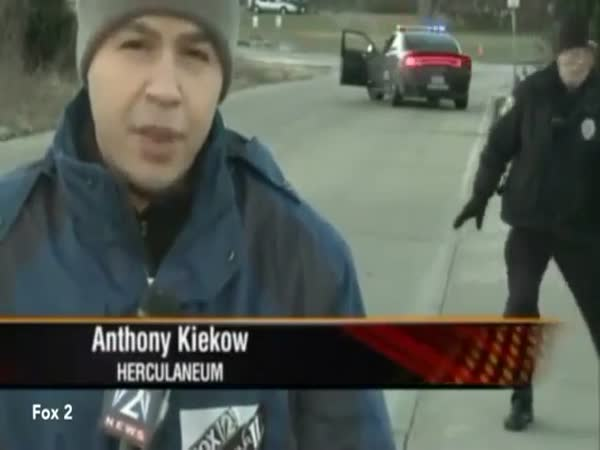 Police Officers Funny Reaction When Realizing He's On Live Tv