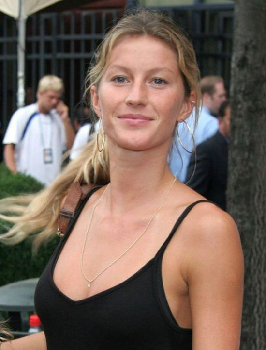 Celebrities Who Look Pretty Without Makeup (15 pics)