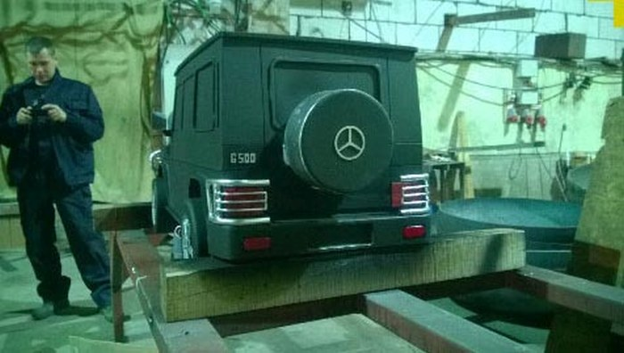 This Mercedes Is Ready To BBQ (18 pics)