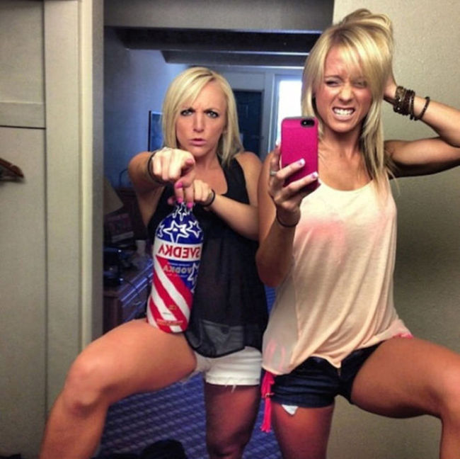 Goofy Girls (53 pics)
