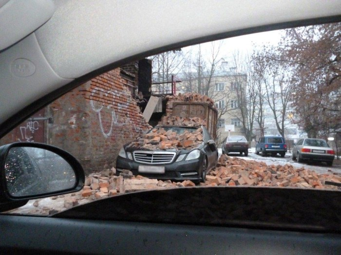 This Used To Be A Mercedes (3 pics)