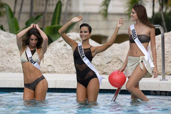 Contestants Of Miss Universe 2015 in Bikini (33 pics)