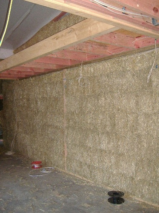 You Won't Believe This House Is Made Of Straw (37 pics)