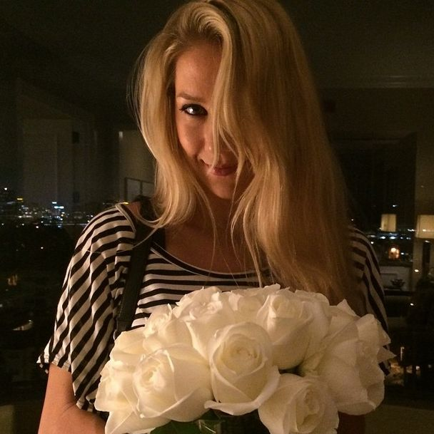 Anna Kournikova Has The Best Instagram Photos (33 pics)