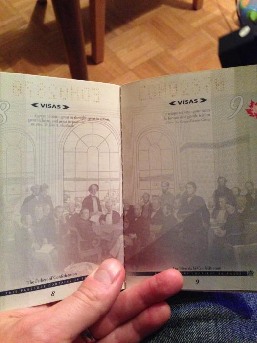 découvertes  - Page 4 Canadian_passport_07