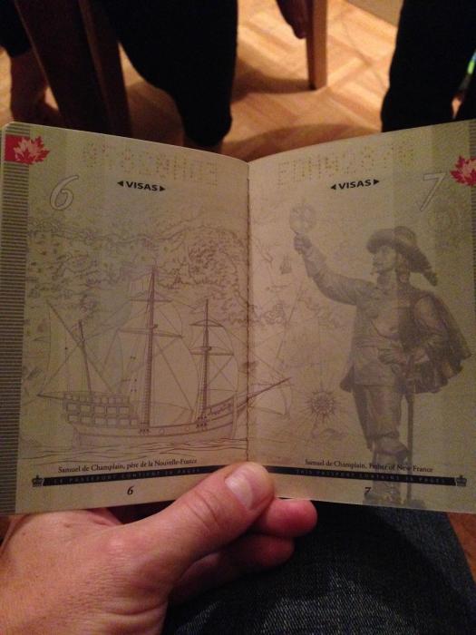 découvertes  - Page 4 Canadian_passport_09