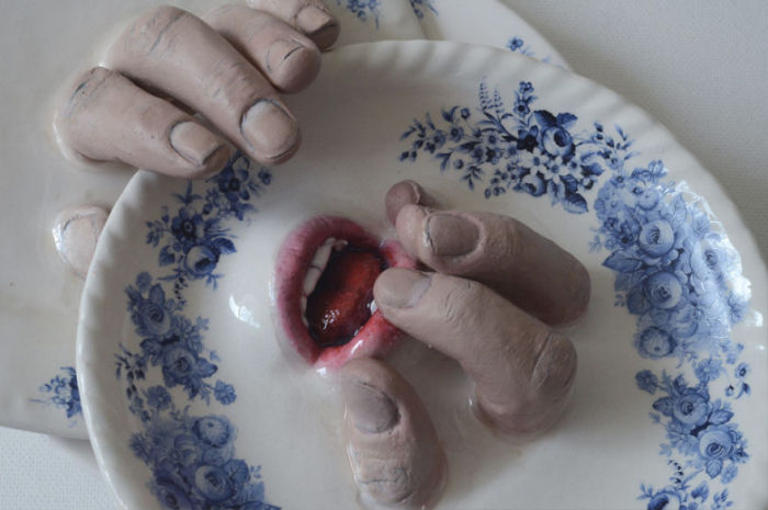This Sculptor Adds Fingers And Mouths To Ceramics (18 pics)