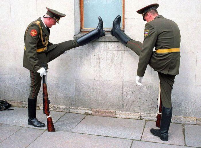 Funny Army Photos (44 pics)