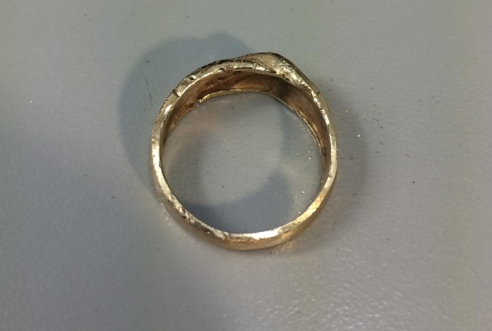 Wedding Ring Before And After Going Through A Garbage Disposal (18 pics)