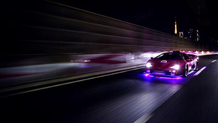 Check Out Japan's LED Lamborghini Mob (24 pics)