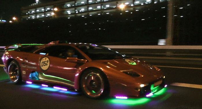 Check Out Japan's LED Lamborghini Mob (24 pics)