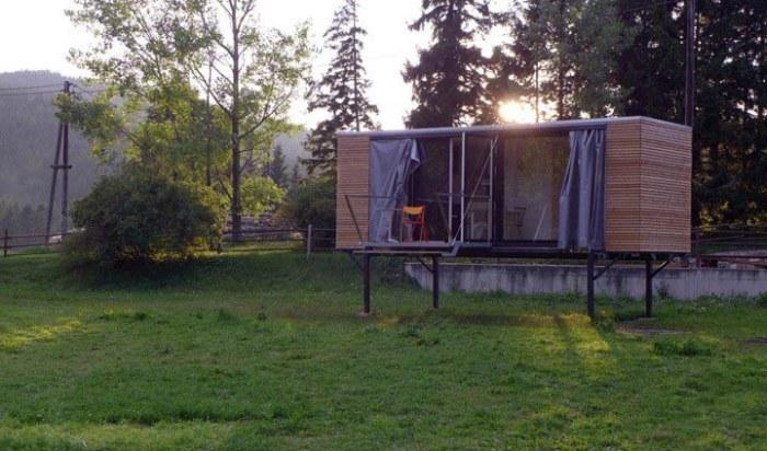Beautiful Compact Mobile Home (9 pics)