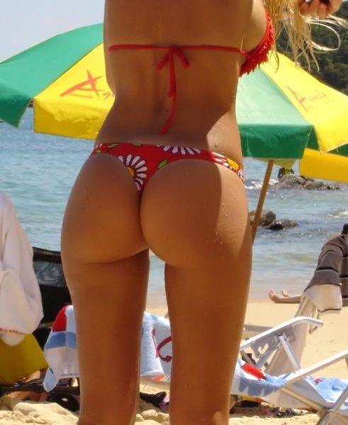 Very Hot Girls in Bikini (42 pics)