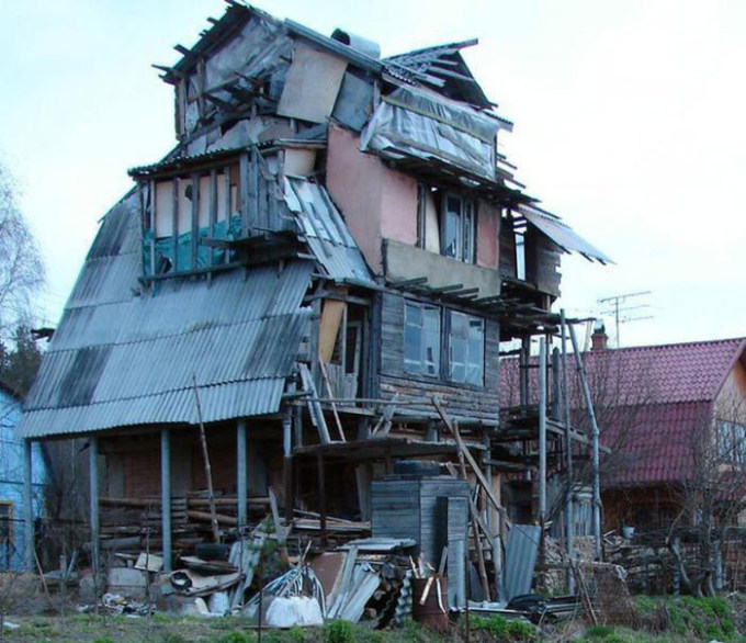 Russians Create Some Unique Architecture (36 pics)