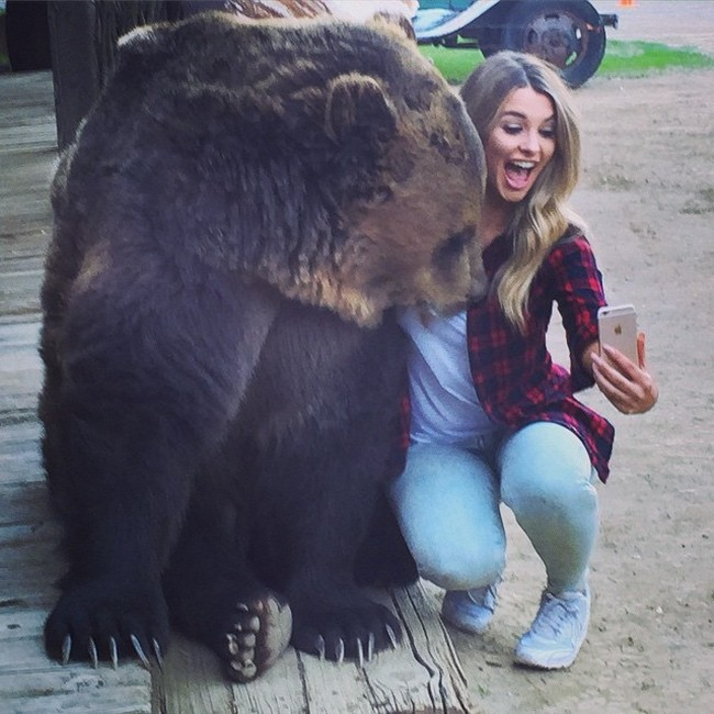 Emily Sears Takes A Selfie With A Special Guest (2 pics)