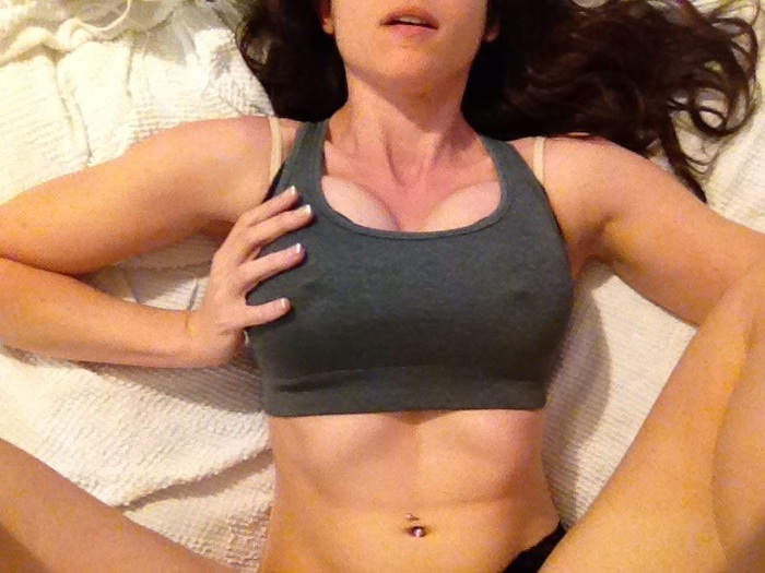 The Easiest Ways To Make Your Breasts Look Bigger (16 pics)