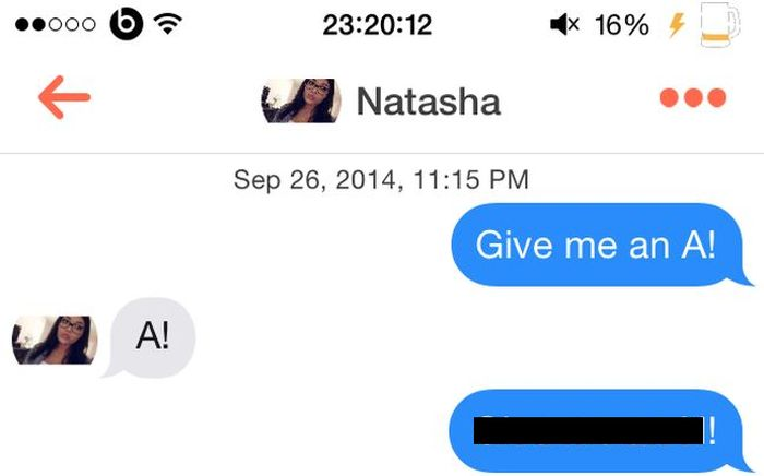 Guy Uses The SNL 'Jingleheimer Junction' Gag To Pick Up Girls On Tinder