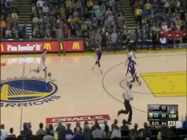 NBA Player Klay Thompson Breaks World Record By Scoring 37 Points In One Quarter