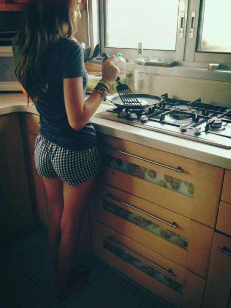 Beautiful Girls Cooking Breakfast Is The Best Thing Ever (45 pics)