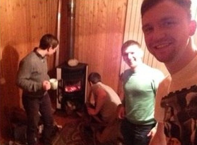 Burning Your Own House Down Is A Total Fail (4 pics)
