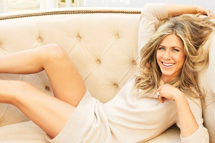Jennifer Aniston Lights Up The Pages Of The Hollywood Reporter (8 pics)