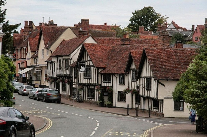 Welcome To Lavenham (14 pics)
