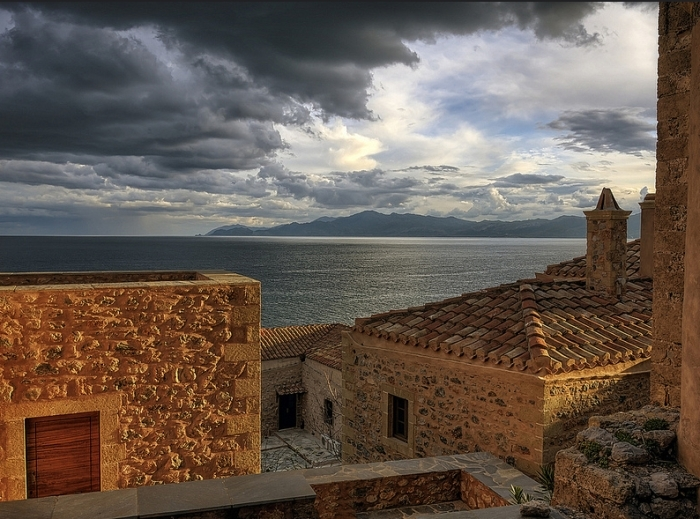 Monemvasia Is A Hidden Town In Greece (22 pics)
