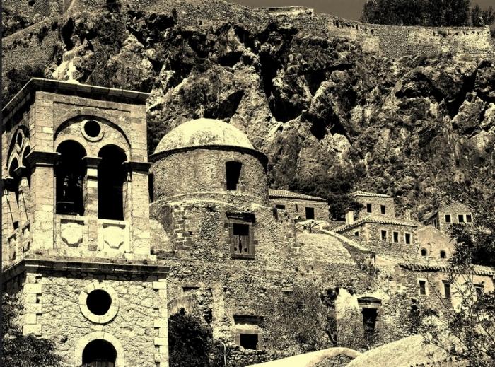 Monemvasia Is A Hidden Town In Greece (22 pics)