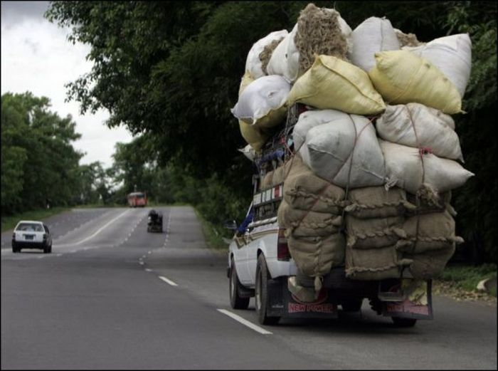 The Most Extreme Transportation Situations Caught On Camera (48 pics)