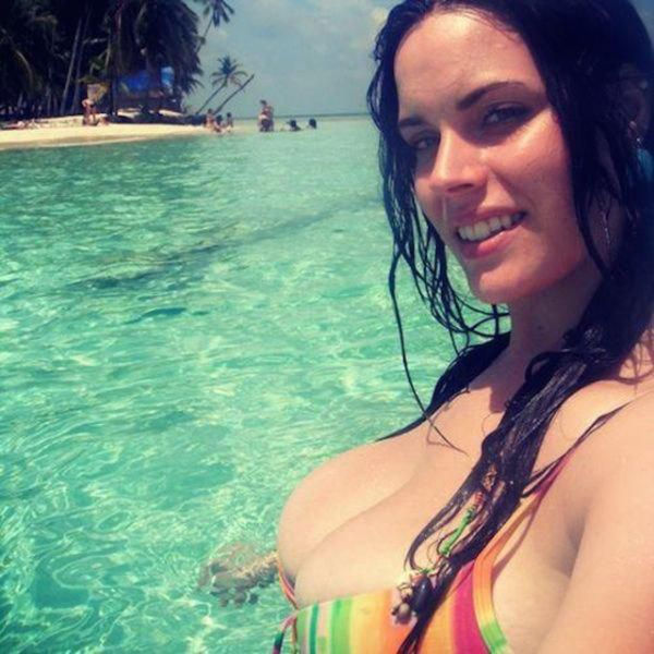 Busty Women Are What It's All About (58 pics)
