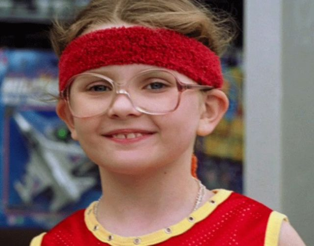 Geeky Child Stars Who Became Adult Hotties (44 pics)