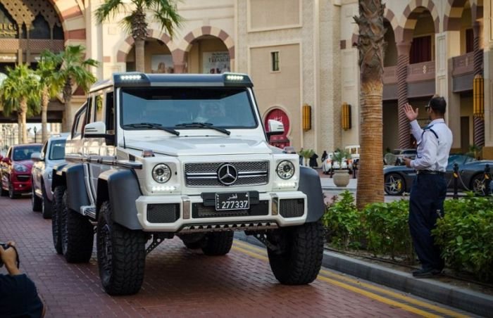 Supercars In Qatar (18 pics)