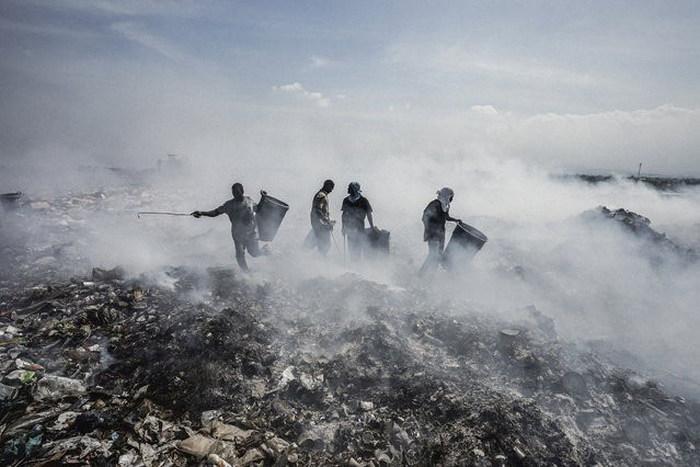 The Scavengers Of Port-au-Prince (29 pics)