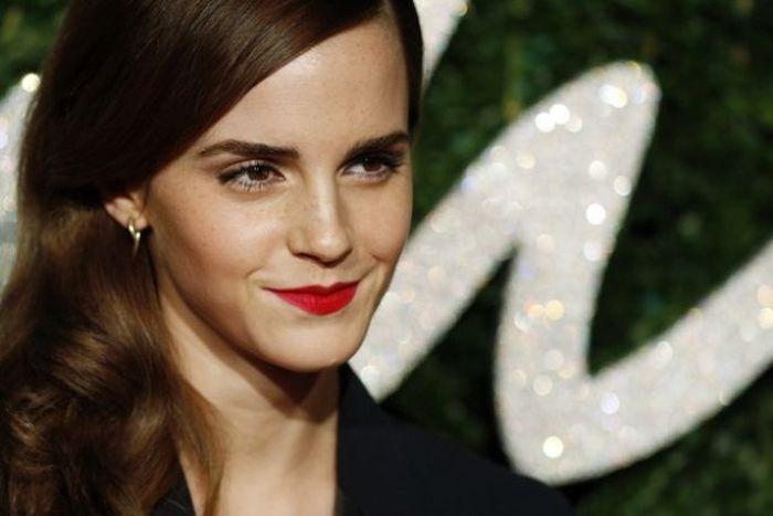 Emma Watson And Kristen Stewart Mixed Together Is Stunning (3 pics)