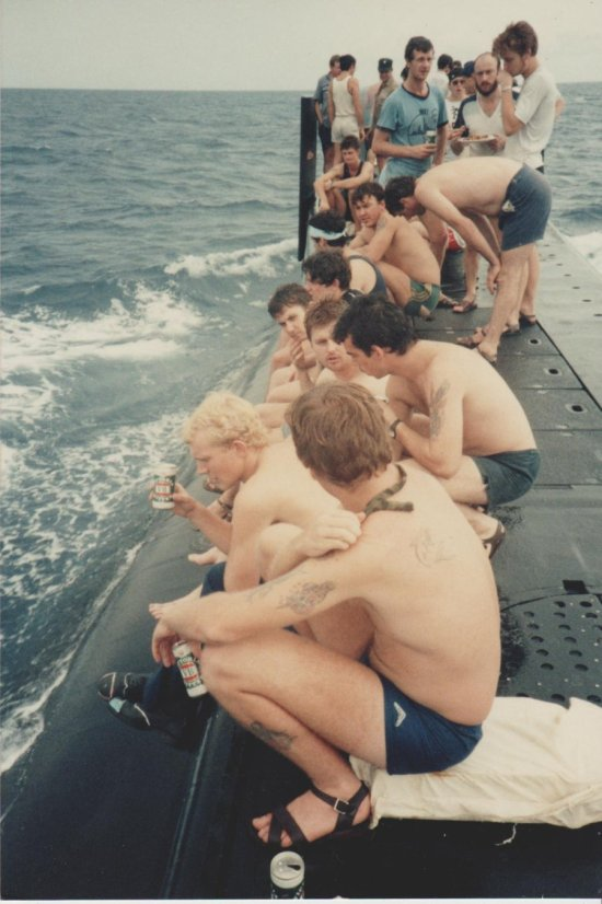 Having A Good Time Grilling On A Submarine (3 pics)
