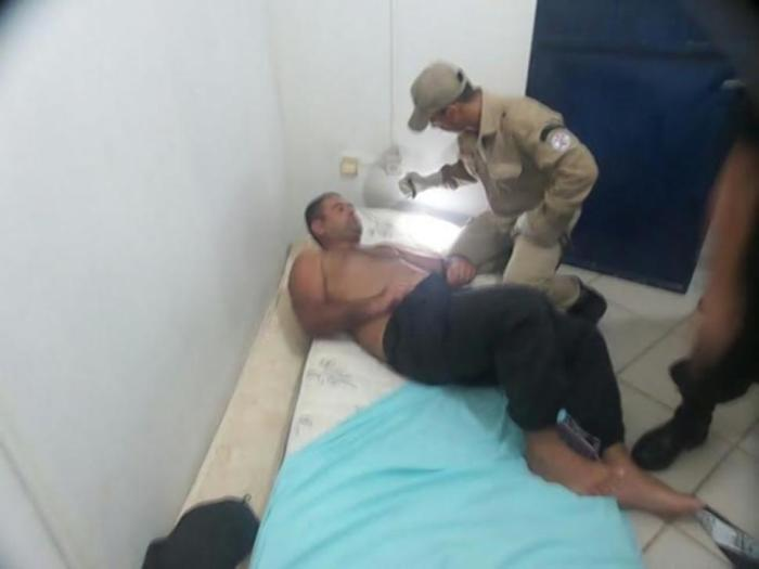 Prison Guards Get Tricked Into Having An Orgy And 28 Inmates Escape (4 pics)