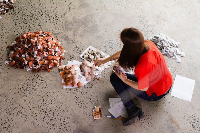 This Artist Created Something Incredible With 20,000 Teabags (9 pics)