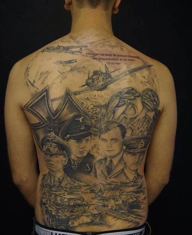 World War II Enthusiast Spends Six Months Getting His Back Tattooed (5 pics)