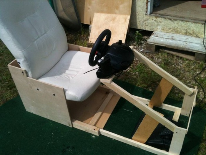 A Homemade Gaming Seat For The Gamer With A Small Space (36 pics)