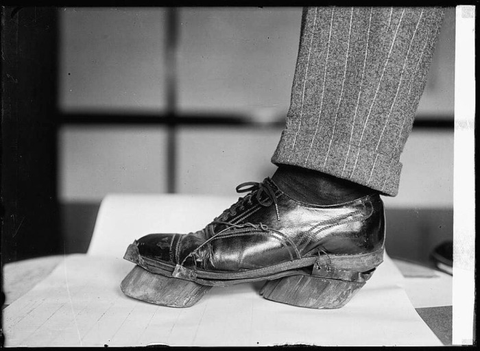 How Moonshiners Disguised Their Footprints In The Prohibition Era (3 pics)