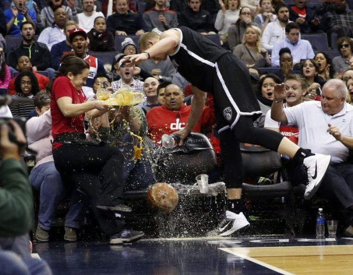 Epic Alcohol Fail At A Basketball Game (7 pics)