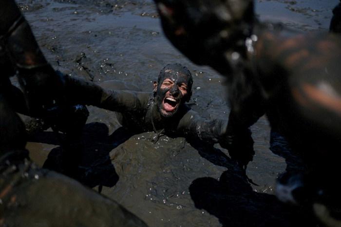 Bloco da Lama Is Brazil's Mud Party (18 pics)