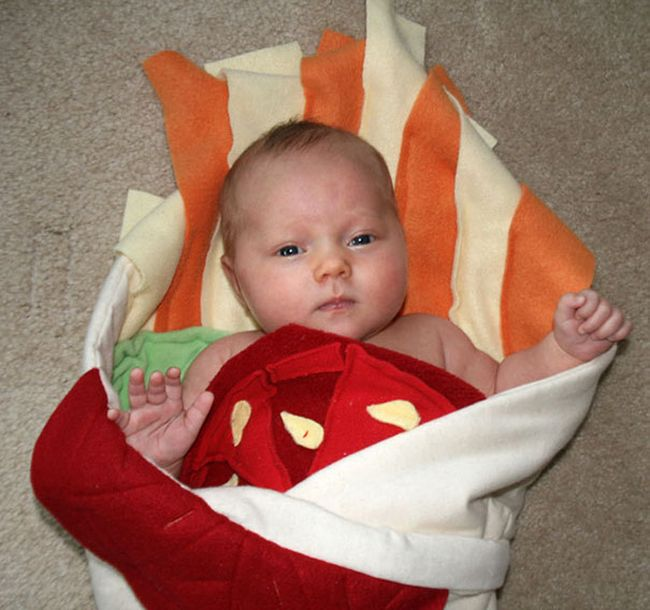 Turn Your Baby Into A Burrito With This Awesome Blanket (6 pics)