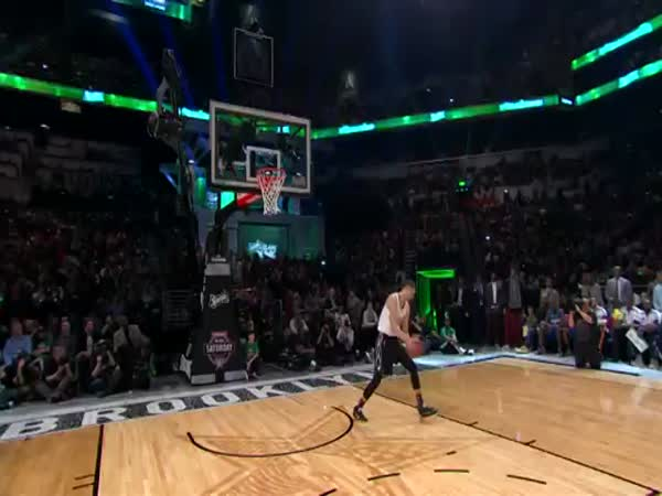 Zach Lavine Throws Down The Space Jam Dunk